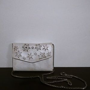 Winter purse and only used once.